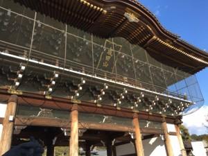 成田山新勝寺山門