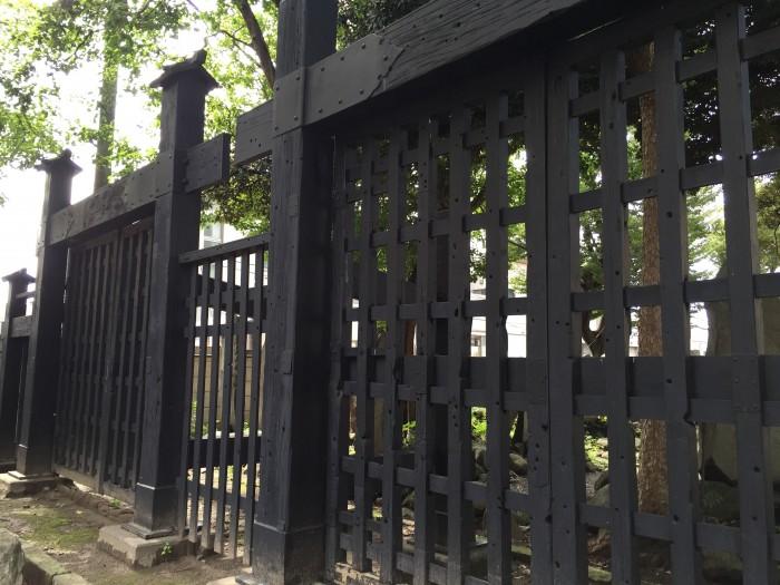 上野戦争を今に伝える-寛永寺黒門