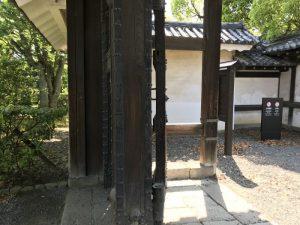 二条城鳴子門の四脚